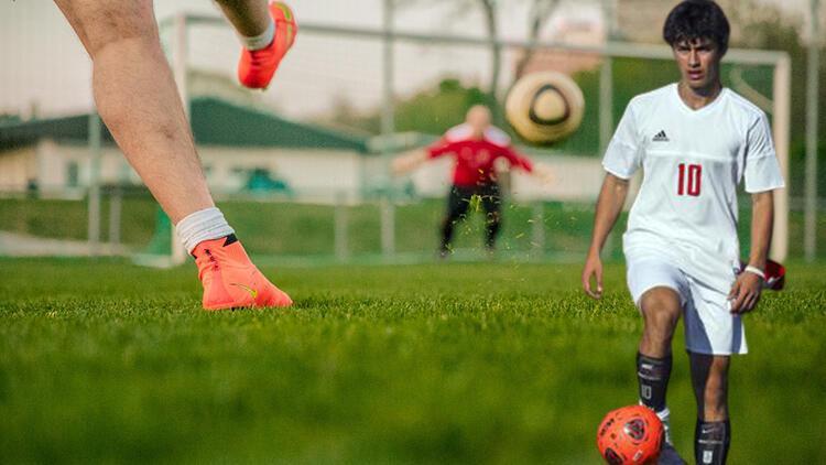 Lisede yapılan futbol maçı ortalığı karıştırdı... Bir devrede 16 gol