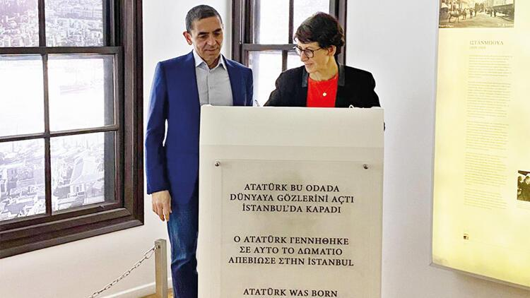 Dünyanın gururu Türk çift Atanın evinde
