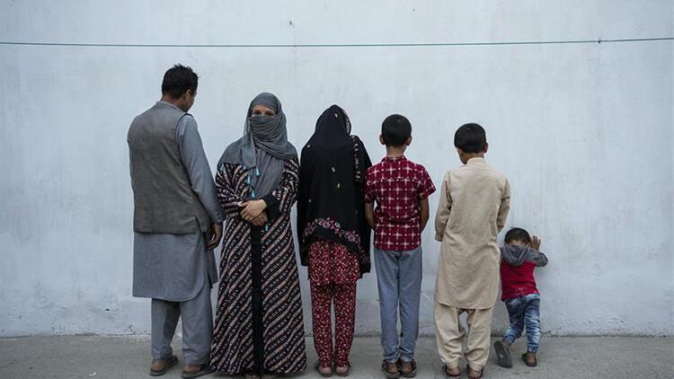 Afganistanda büyük insanlık dramı: Çocuklar açlık yüzünden ölümle burun buruna