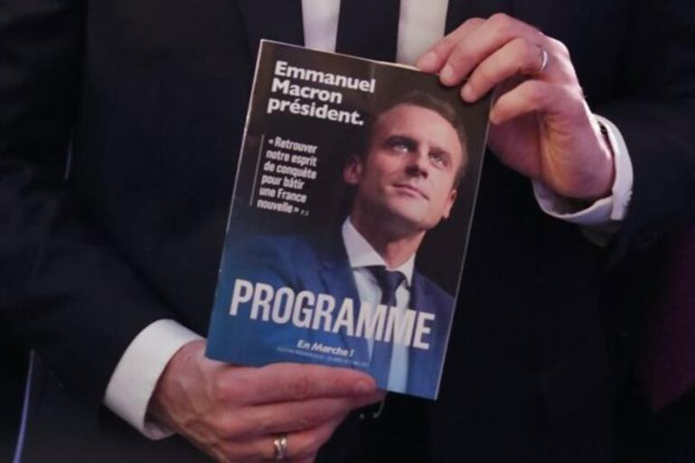 Fransa Da Cumhurbaskanligi Yarisinin Surpriz Ismi Emmanuel Macron Guncel Haberler