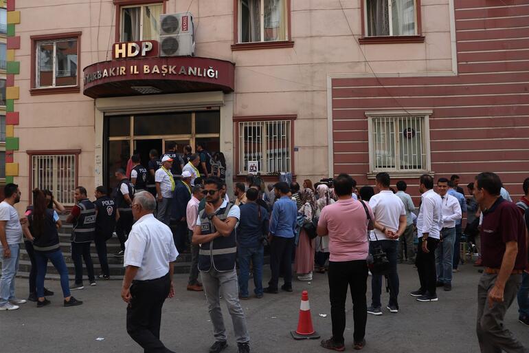 HDPye suç duyurusu Diyarbakır Anneleri harekete geçti