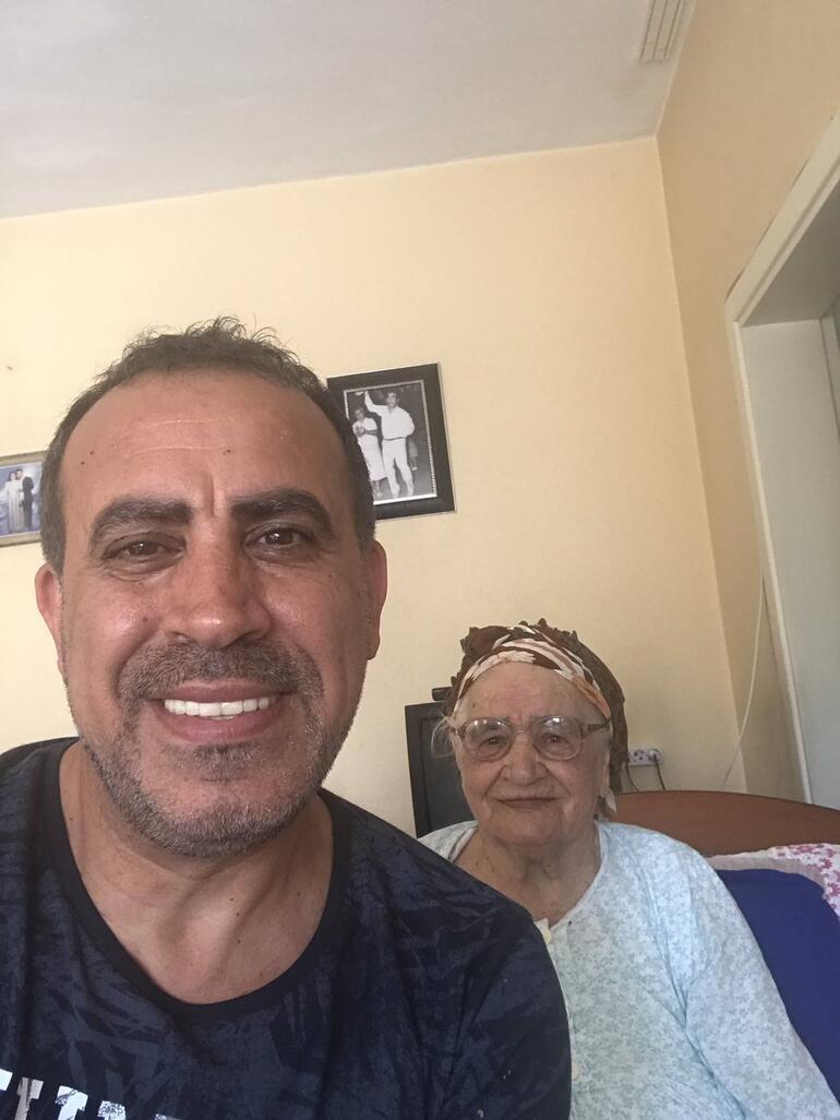 Haluk Levent'in acı günü Annemi kaybettim