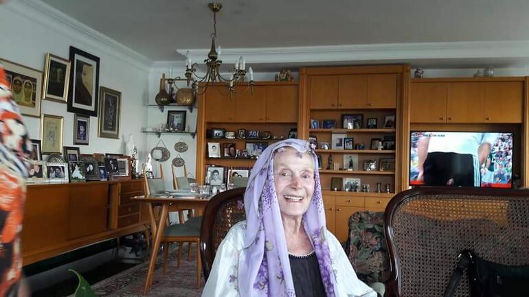 Usta tiyatrocu Yıldız Kenter hayatını kaybetti Son fotoğrafları ortaya çıktı