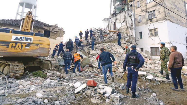 6.4 vurdu Arnavutluk'ta 20 kişi öldü, 600'ün üzerinde yaralı var