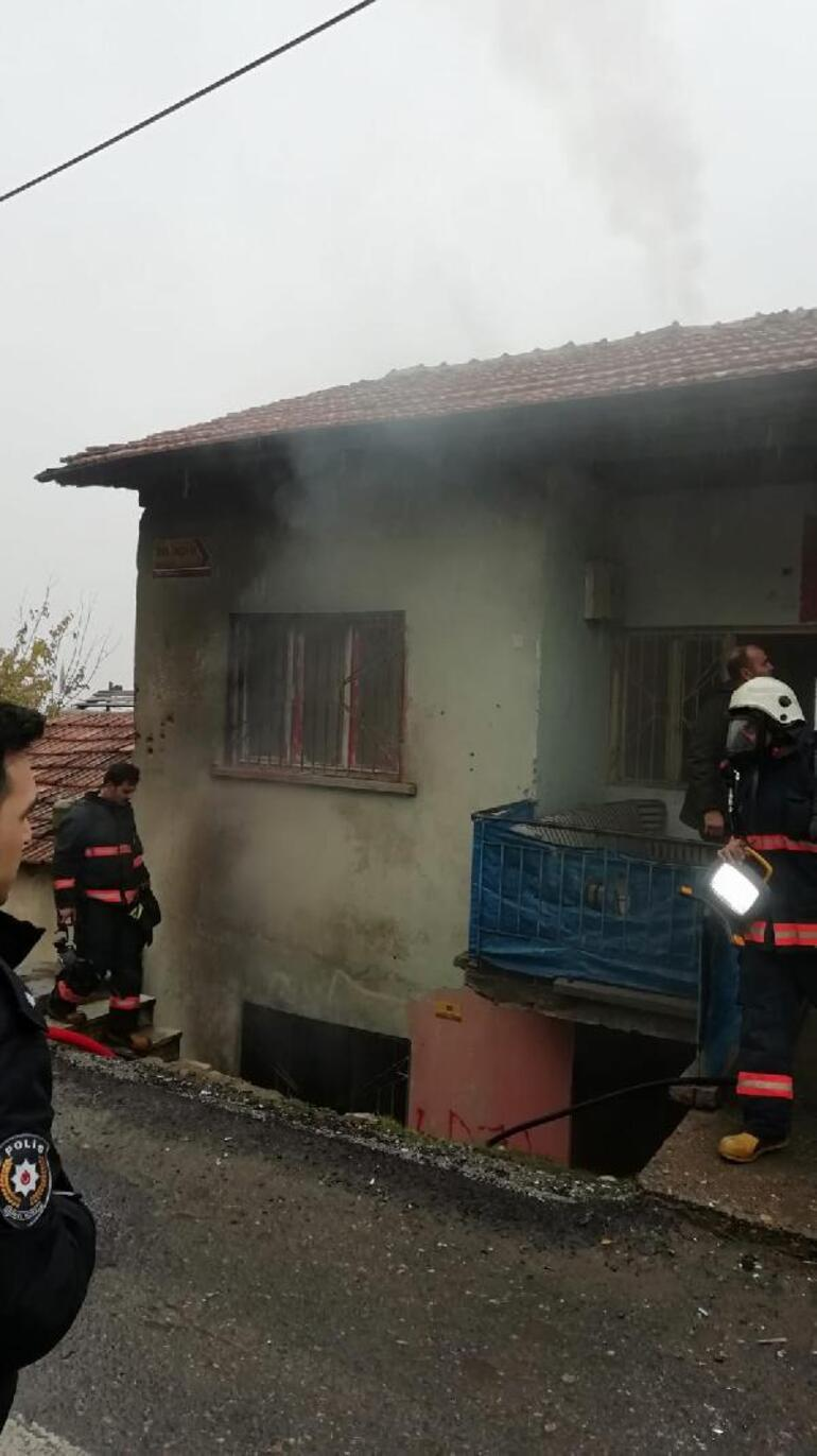 Evdeki yangında 3 Suriyeli dumandan etkilendi