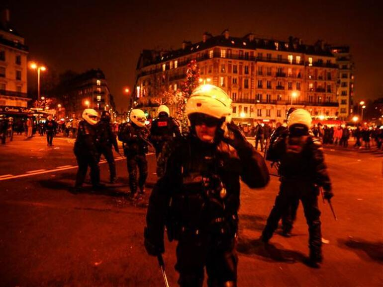 Son dakika haberi... Dışişleri Bakanlığından Türk vatandaşlarına Fransa uyarısı