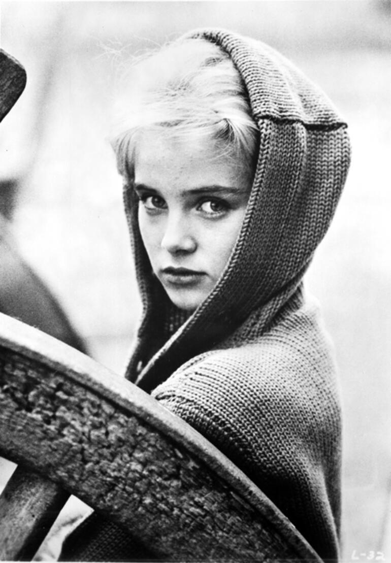 Lolita filmiyle tanınan Sue Lyon hayatını kaybetti