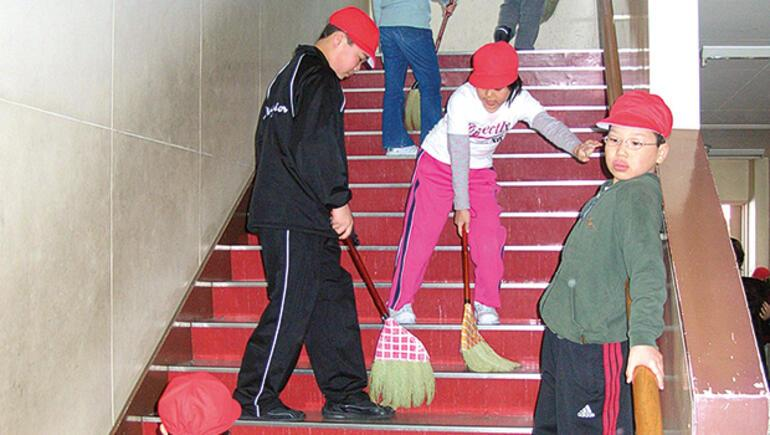 Tokyo'da okulları gezdim... Japonlar hayata  böyle başlıyor