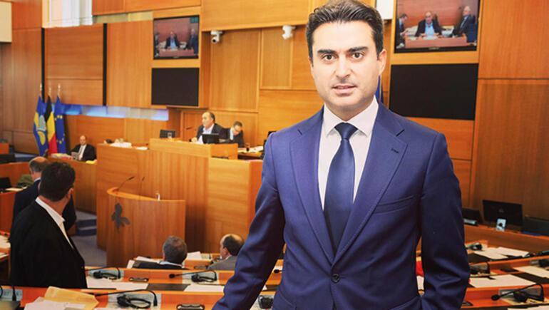 AKP'lilerin oylarıyla seçilen sosyalist