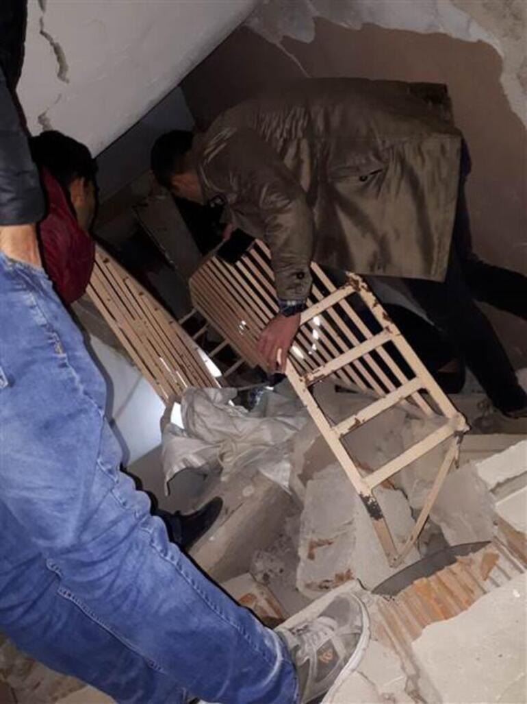 Son dakika haberler: Elazığ'da 6,8 büyüklüğünde deprem AFAD: 20 kişi hayatını kaybetti