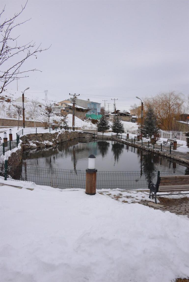 Eksi 30 derecede bile donmayan göl