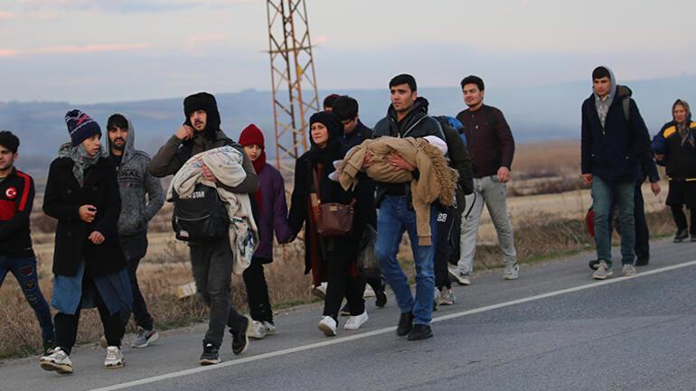 Türkiye'nin kararının ardından göçmenler akın akın Yunanistan'a ve Bulgaristan'a sınırlarına gidiyor! Şimdi Avrupa Düşünsün