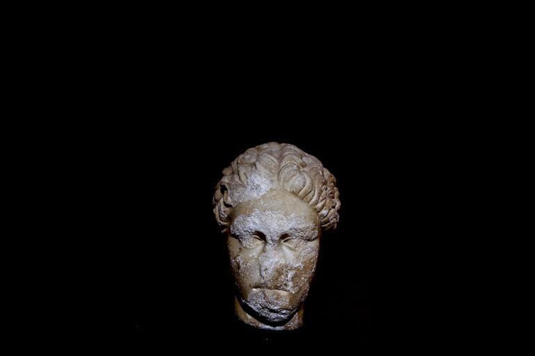 Antalya Müzesinde 48 yıldır sergilenen portre heykelin Sappho olduğu belirlendi