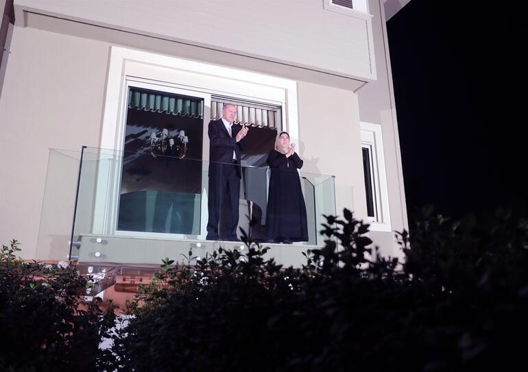 Son dakika haberi: Cumhurbaşkanı Erdoğandan sağlık çalışanlarına alkışlı destek