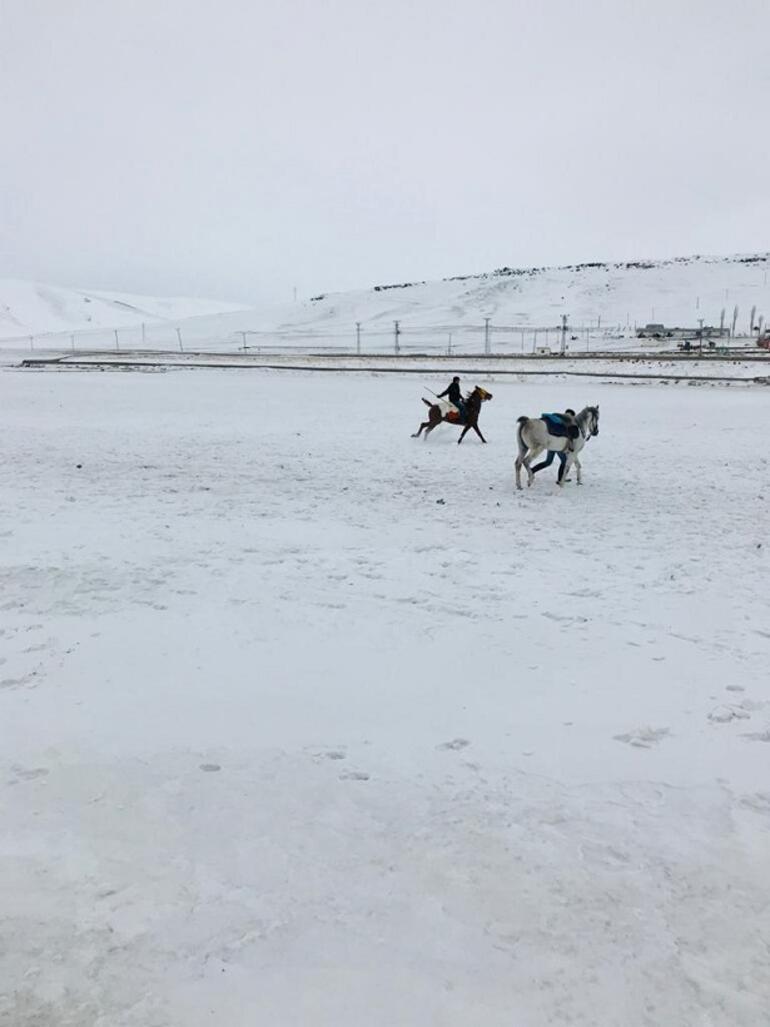 Kars'ın iki güzeli: Ani ve Çıldır Gölü