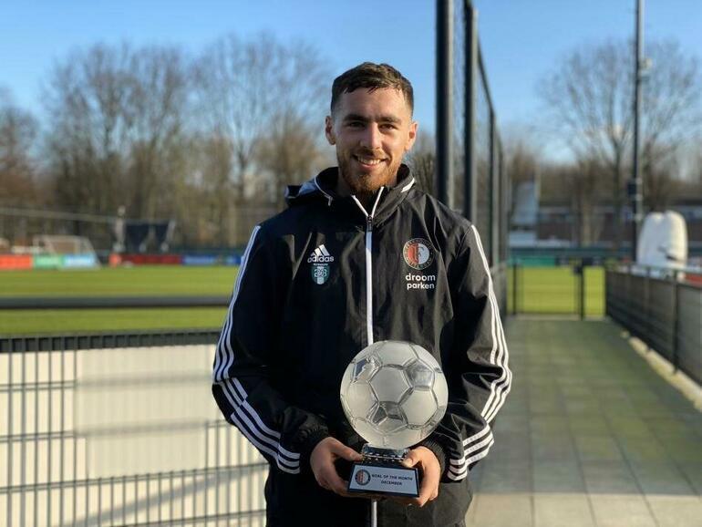 Türkiyeyi seçen genç futbolcu, Premier Lige imza atmak üzere