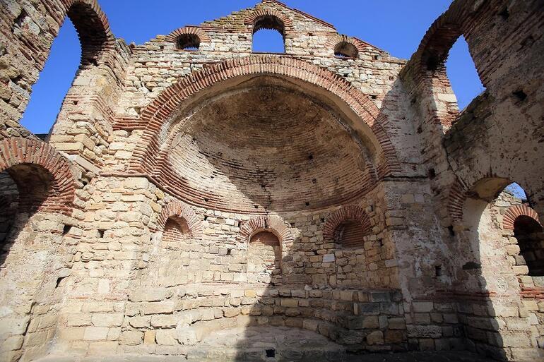 Bulgaristanın tarihi yarımadasındaki Nesebar Antik Kenti