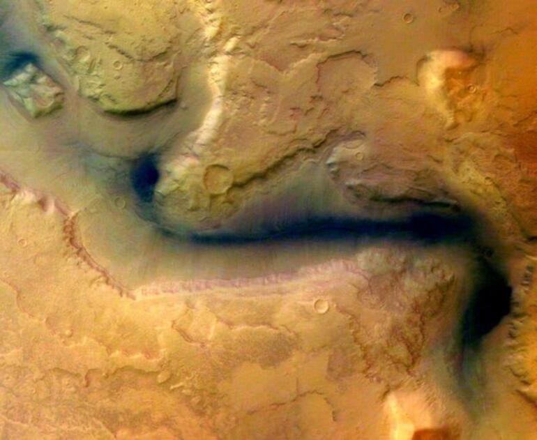 Birleşik Arap Emirliklerinin Marsa gidecek uydusu fırlatıldı