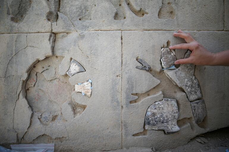 2 bin 700 yıllık tapınağın taş süslemeleri yapboz gibi işleniyor
