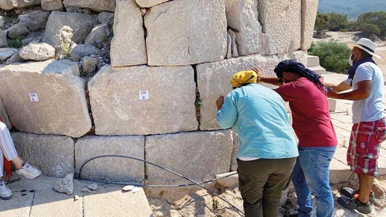2000 yıllık fener yükseliyor