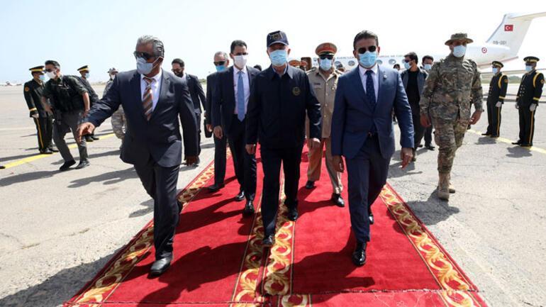 Son dakika haberler... Bakan Akar ve Genelkurmay Başkanı Güler Libyada
