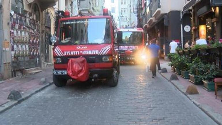 Son dakika haberler: Beyoğlunda yangın paniği