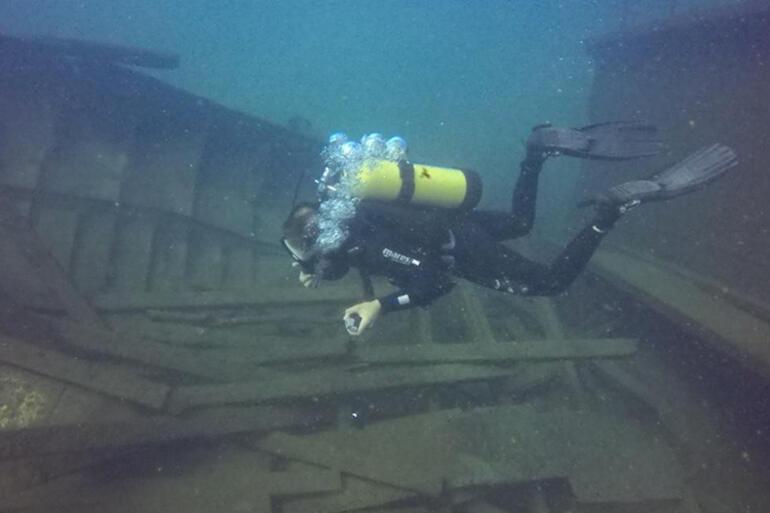 Van Gölünün derinliklerindeki gizem dalışlarla gün yüzüne çıkıyor