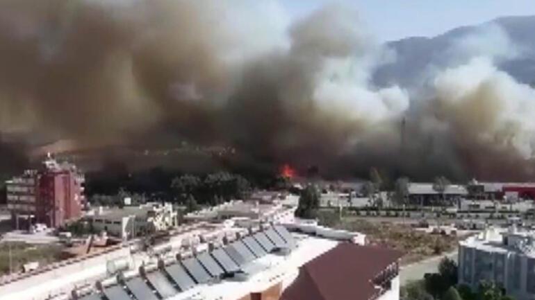 Son dakika haberi: Hatayda orman yangını paniği... Yerleşim yerlerine yaklaştı