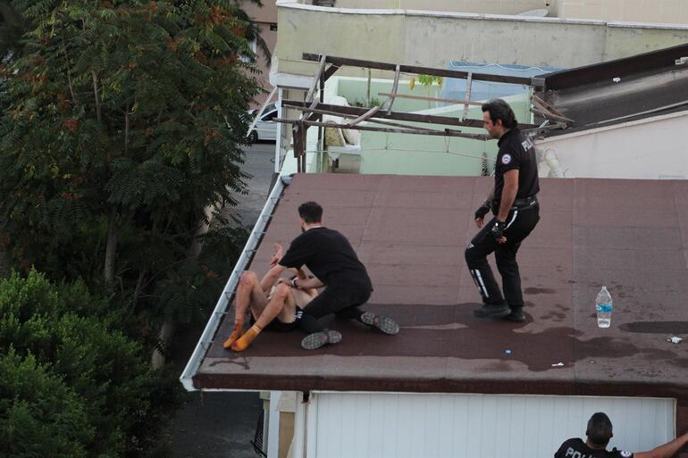 Son dakika haberler... Yürekler ağza geldi... 4 katlı binanın çatısında  sızdı! - Son Dakika Haberleri İnternet