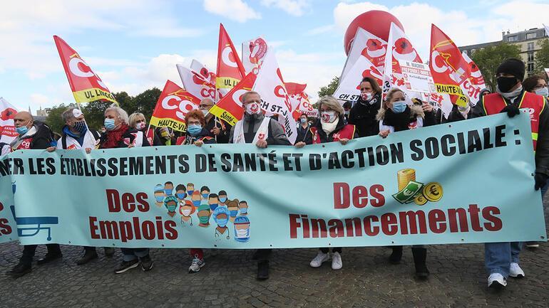 Macron'un reformlarına sağlıkçılardan protesto