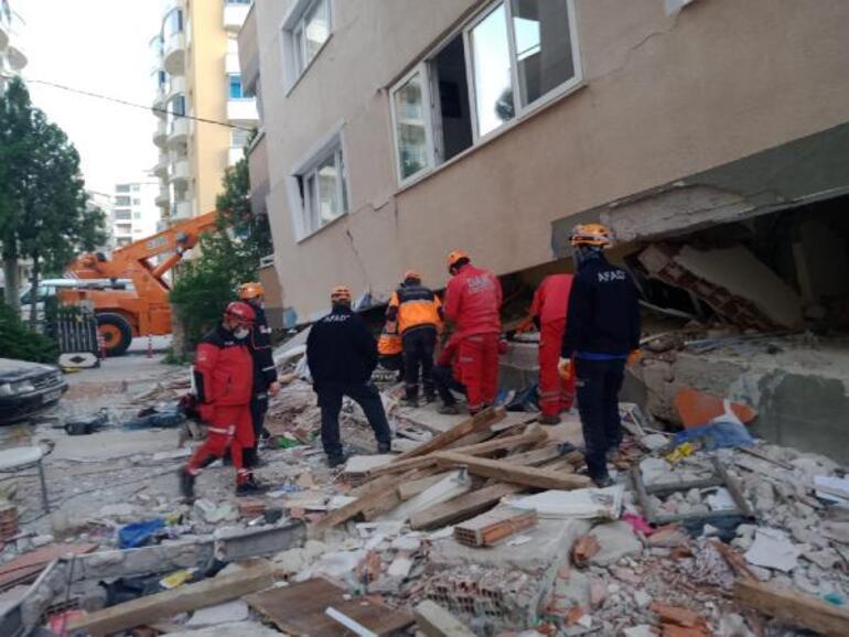 Son dakika haberleri... İzmir depreminden yürek yakan detay Enkaz altında 14 saat boyunca ölen torununun elini bırakmamış