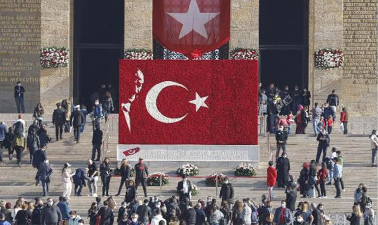 10 Kasımda Anıtkabire ziyaretçi akını