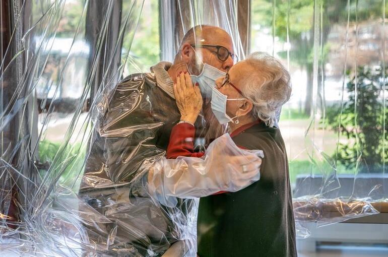 Son dakika haberi: İtalya'da koronavirüse karşı kucaklaşma odası kuruldu