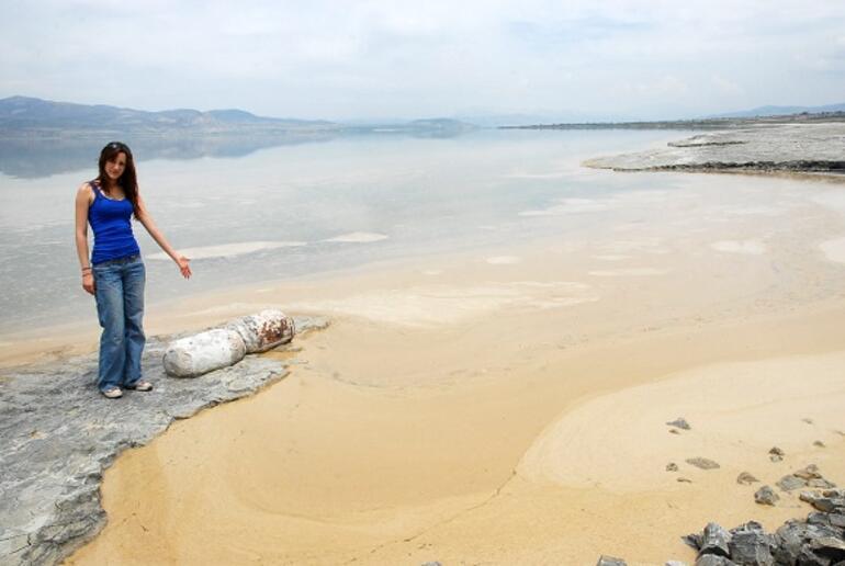Dünyada sadece Burdur Gölünde bulunuyor... Tamamen yok olmak üzere