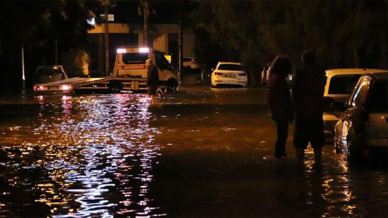 Son dakika... Antalyada turuncu alarm Risk devam ediyor...