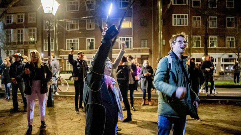 Hollanda da 19 Ocak'a kadar kapandı