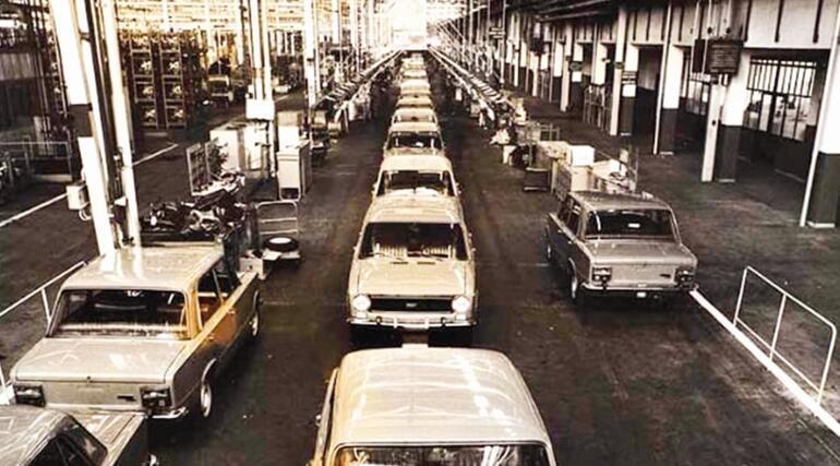 Otomotivde yerli sermaye tutunamıyor