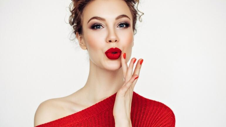Solgun Tenli Kadınlar İçin Makyaj Önerileri