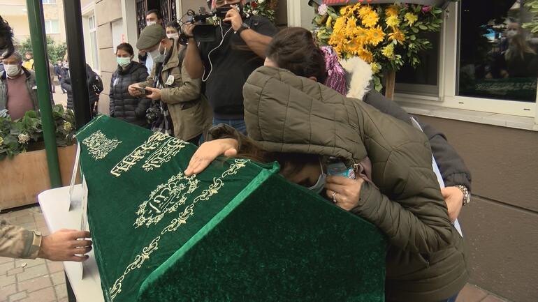 Gözyaşları sel oldu... Ünlü sanatçı Engin Nurşaniye veda...