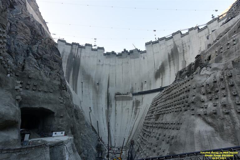 Görkemli projenin son 4 metresi, gövdesi 100 katlı gökdelene eşit ...
