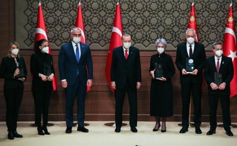 Son dakika haberi: Cumhurbaşkanı Erdoğandan çok önemli dil mesajı: Devrilmeye mahkumdur