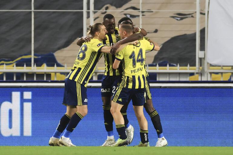 Fenerbahçede Dimitris Pelkas alev aldı Mesut Özil ile...