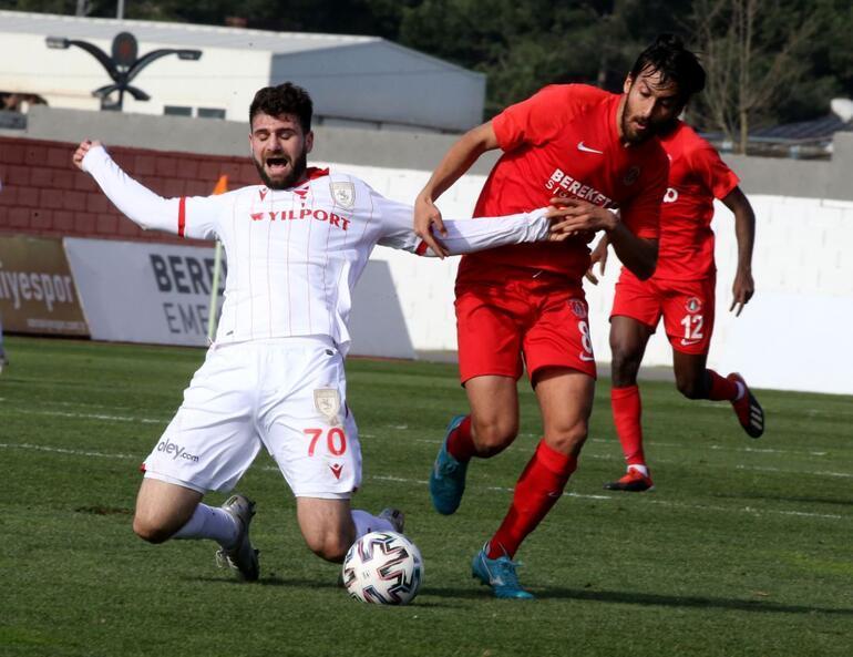 Ümraniye - Samsunspor maçında görülmemiş pozisyon Herkes topu bıraktı...