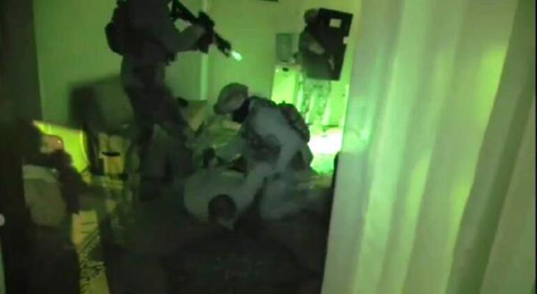 Mardinde operasyon Yatak odasındaki gizli bölmede yakalandı