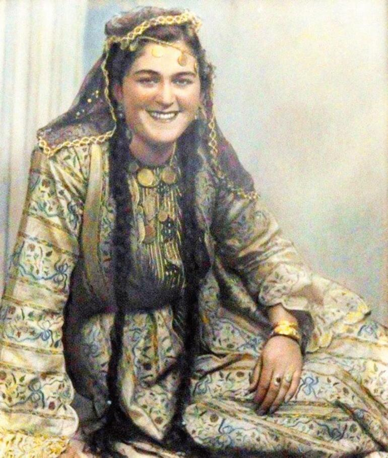 Leyla Hanım rolü Naz'a emanet