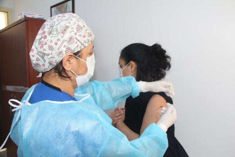 Bilim Kurulu Üyesi Prof. Dr. Yeşim Taşovadan rehavet uyarısı: Aşı yaptırınca...