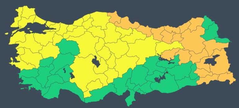 İstanbulda beklenen kar yağışına ilişkin peş peşe uyarılar... Son yılların en soğuk ve karlı günleri...
