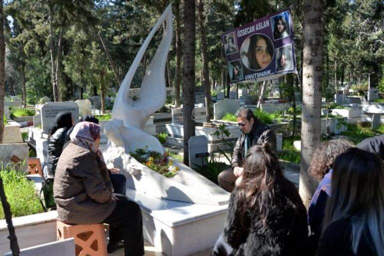 Özgecan Aslanın ölüm yıl dönümünde babası konuştu: Kadına şiddet, insanlığa ihanettir