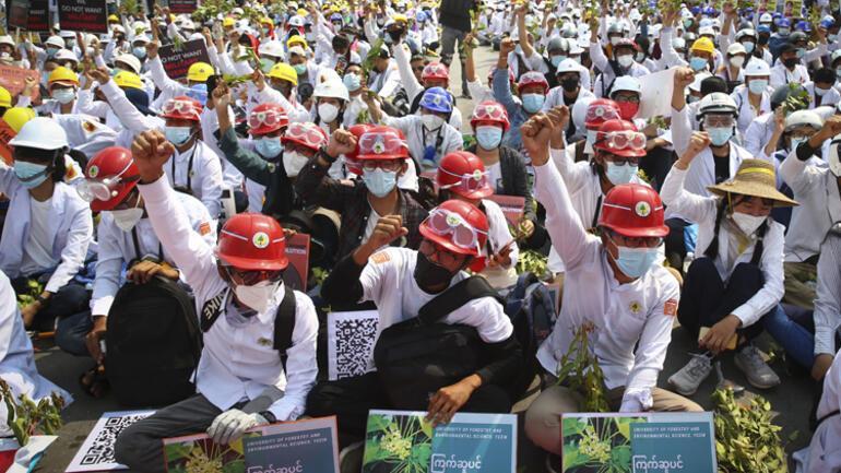 Myanmarda olaylar büyüyor: 18 kişi hayatını kaybetti