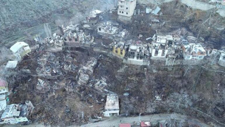 Artvinin Yusufeli ilçesindeki yangın felaketinde acı bilanço 60 ev, 30 büyükbaş hayvan...